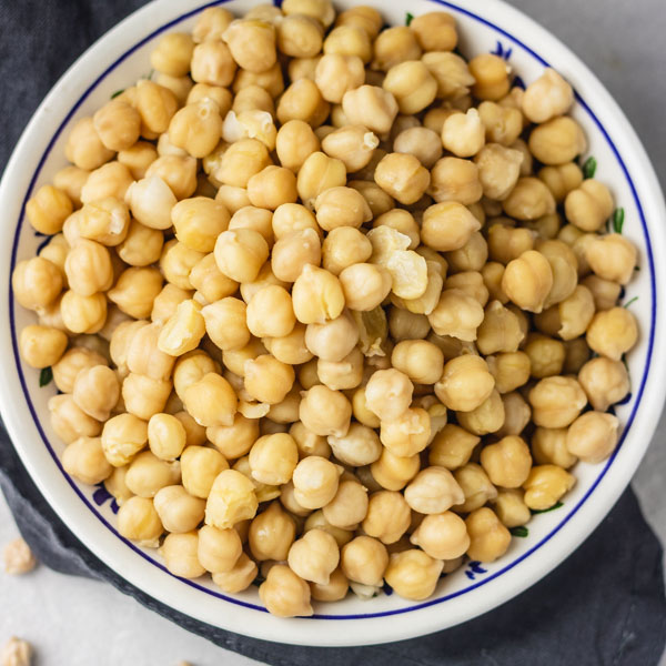 instant pot chickpeas served in a bowl.