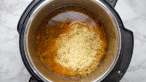 rice in pot.