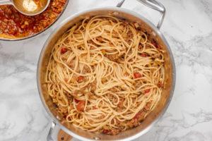 spaghetti bolognese in a pot.