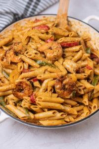 A pot of jerk shrimp pasta.